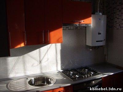 кухня в хрущевке с газовой колонкой.